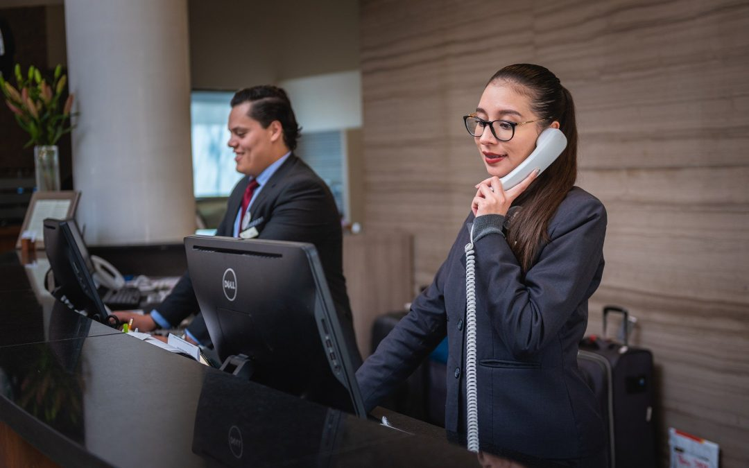 how to provide the best customer service in hotel industry