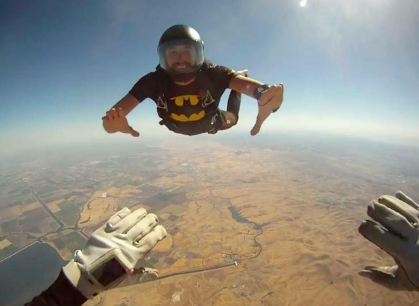 jordan hollander skydiving